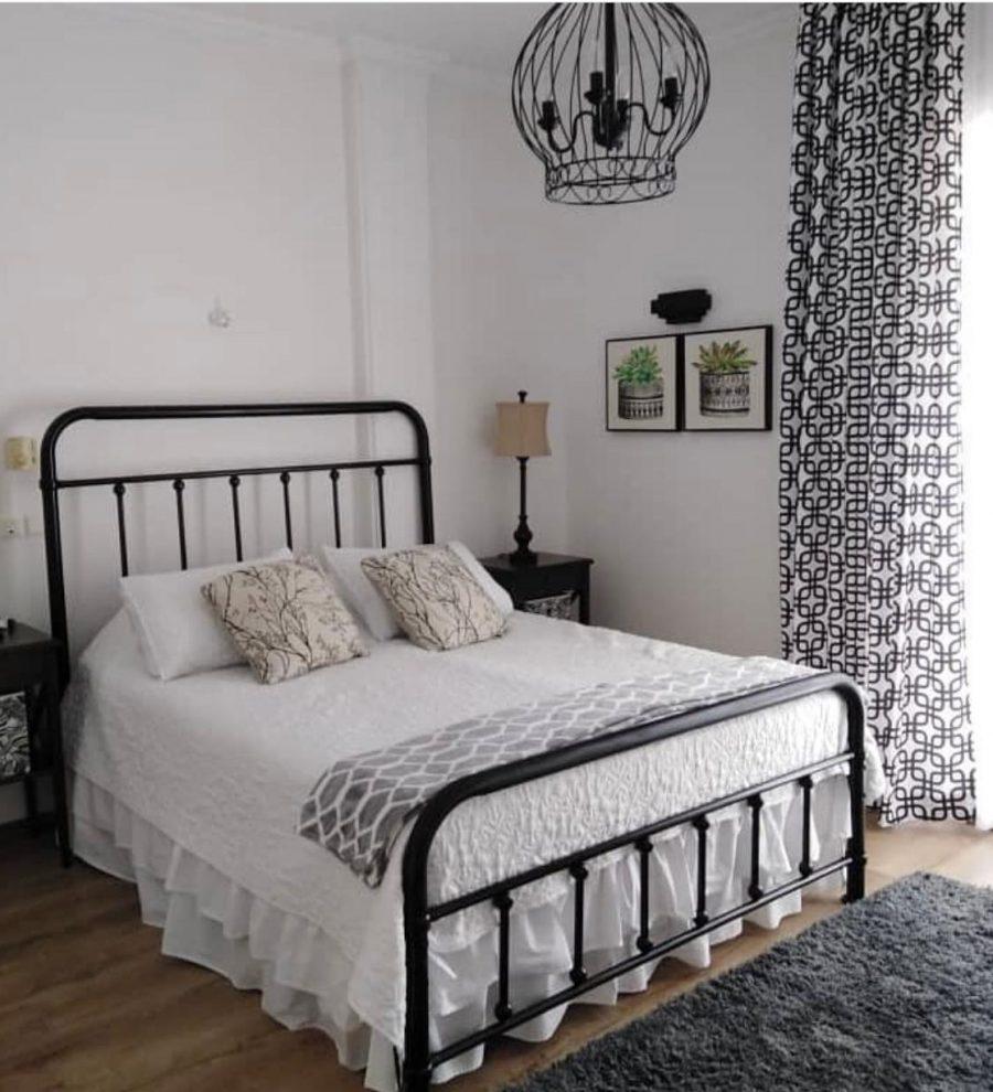 تخت خواب فلزی زیبا
